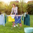 Letnie suszenie prania: wybieramy suszarkę na balkon i do ogrodu