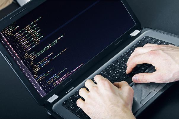 Małych firm nie stać na zatrudnienie programistów, więc stawiają na outsourcing.